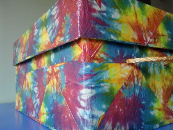 Tutorial on napkin decoupage keepsake box - tie Dyed storage box  with lid
