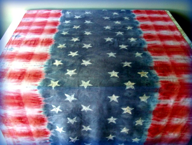 stars and stripes faux batik tie dye table cloth stow tellu. Black Bedroom Furniture Sets. Home Design Ideas