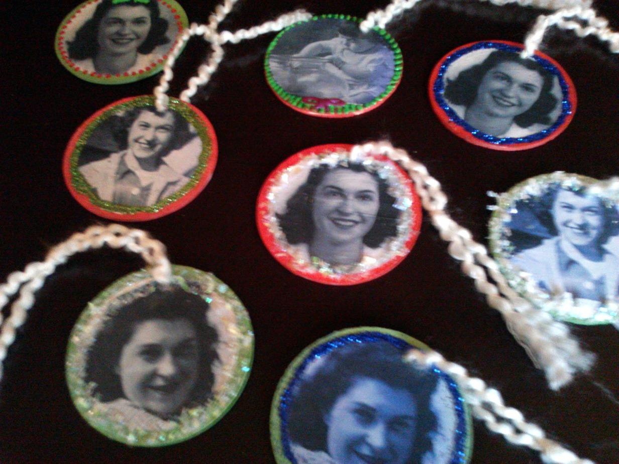 Keepsake memorial or memory ornament stowandtellu stow - Ornament tapete weiay ...