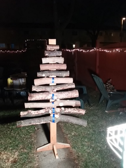 homemade-branch-log-christmas-tree