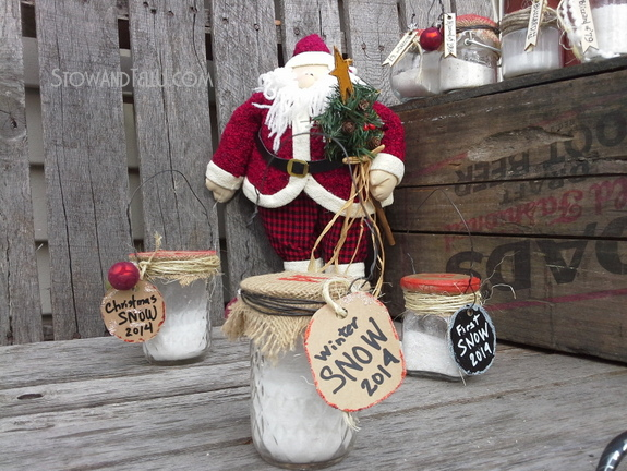 Upcycled Jars Full of Faux Snow Ornaments Christmas Craft | http://www.stowandtellu.com