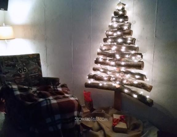 rustic-branch-christmas-tree-http://www.stowandtellu.com