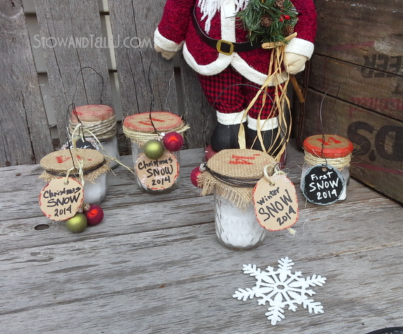 Christmas Jars filled with Faux Snow Ornaments | http://www.stowandtellu.com