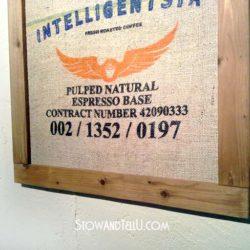 butt-joint-pallet-wood-framed-coffee-sack-art-http://www.stowandtellu.com