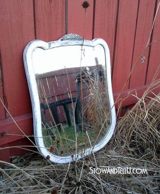 painted-white-leaded-mirror-deco-http://www.stowandtellu.com