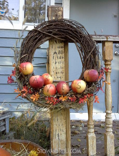 branch-apple-shlef-wreath
