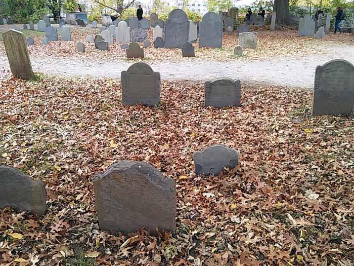 gravestones-salem-massachusetts