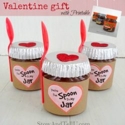 Make a Valentine jar gift using Reese's, Hershey's or any other nut butter spread. Includes a printable label - Stow and TellU
