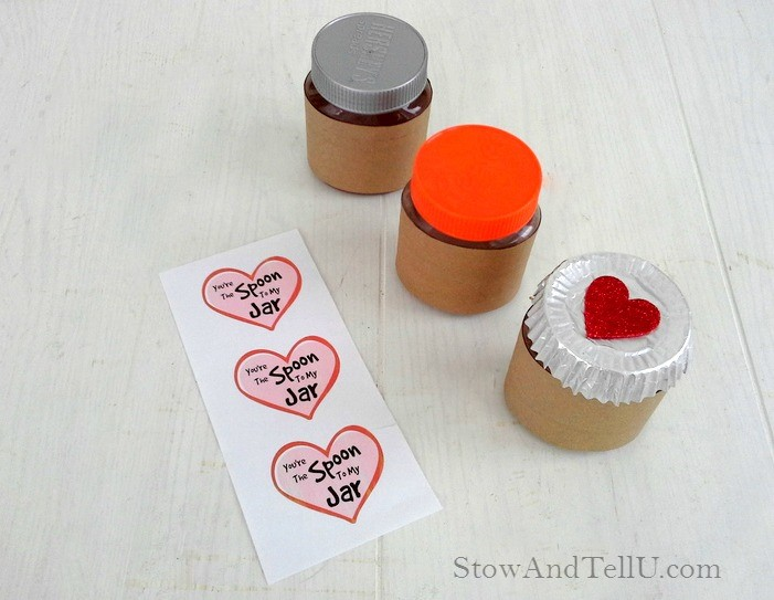 Print and cut out the Spoon to My Jar label, and glue to the front of the jar.