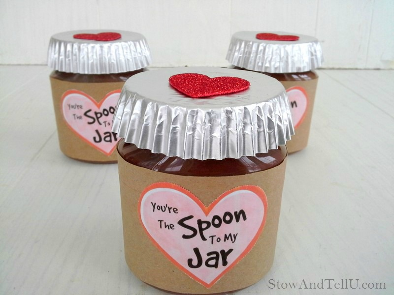 """Valentine jar gift idea using Peanut butter chocolate spreads. Includes """"You're the Spoon to my Jar"""" printable from Stow and TellU.com"""