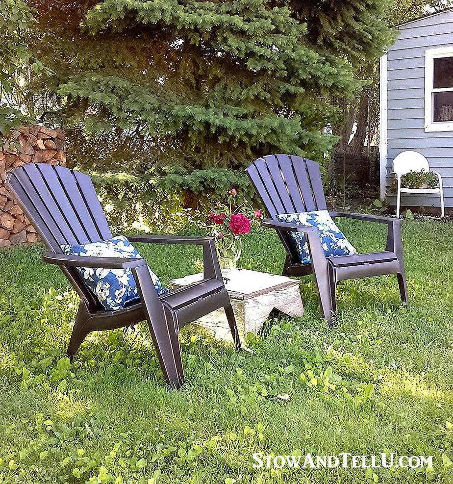 how-to-spray-paint-plastic-lawn-chairs - StowandTellU.com