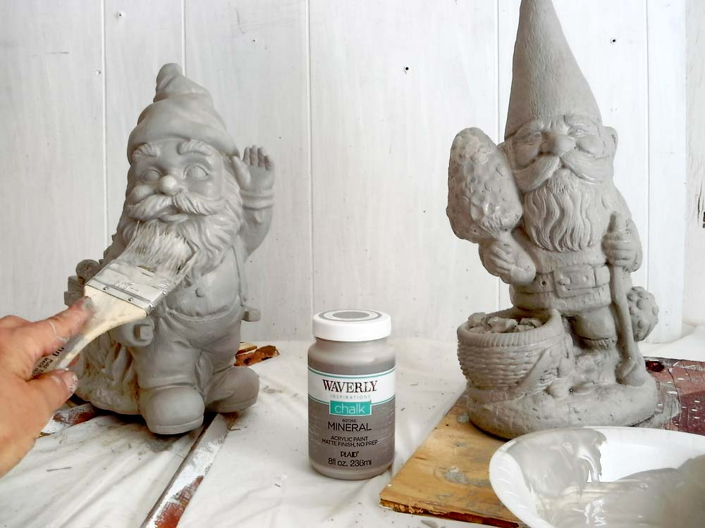 Make yard ornaments look like cement - StowandTellU.com