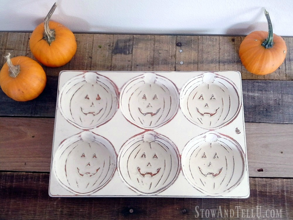 faux-enamelware-painted-pumpkin-muffin-tins - StowandTellU.com