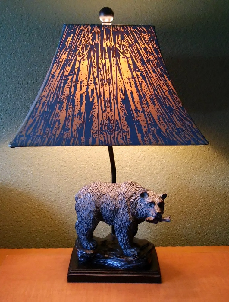 Smoky Mountain style decor -bear lamp - StowandTellU.com