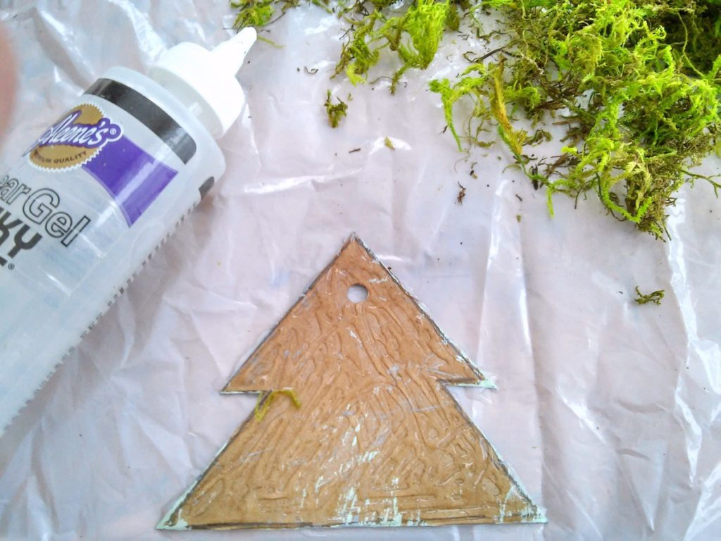 card board and moss Christmas tree ornaments | StowandTellU