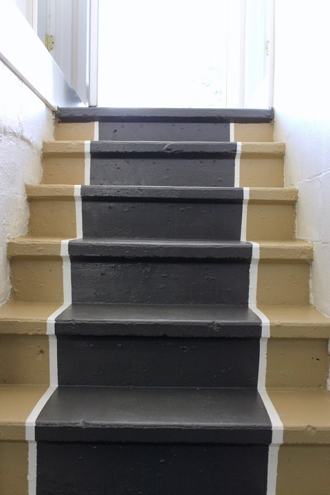 Cement stairs with painted edge stair runner