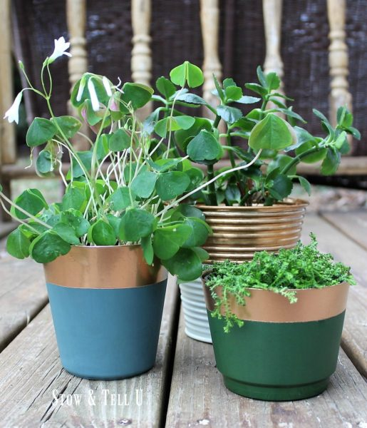Faux copper metallic spray painted planters | stowandtellu.com