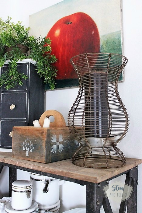 rustic-industrial-open-kitchen-rack-decor | Stowandtellu.com