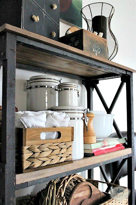 5 Tips for small space kitchen open shelving design | stowandtellu.com