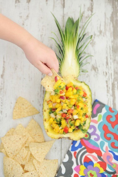 10-salsa-party-recipes-mango-salsa-pinkpeppermintdesign