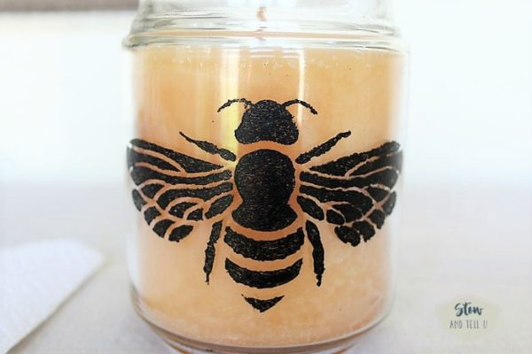 bee-stencil-on-jar | stowandtellu
