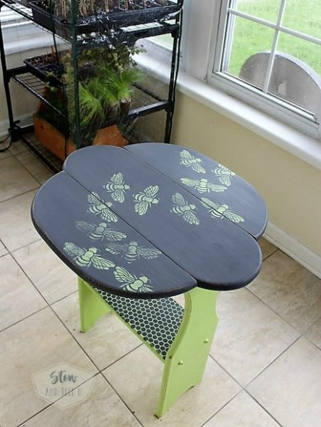 bee-stenciled-table | Stowandtellu.com