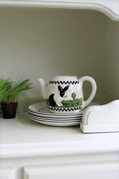 bunny-teapot-easter-decor