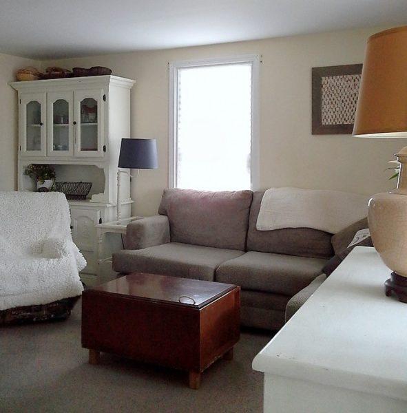 cramped-living-room-furniture-layout