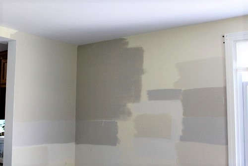 testing paint colors on the wall | how to test paint colors | stowandtellu.com