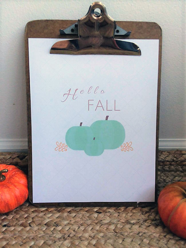 Hello Fall printable. Green pumpkins with white background | stowandtellu.com