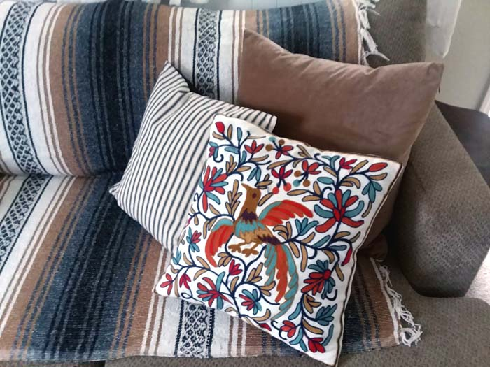 Best Places to Buy Throw Pillow Covers | stowandtellu.com