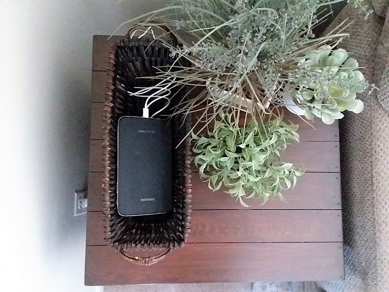 Make Your Own Diy Charging Station Basket It S So Simple Stow Tellu,What Color Matches Dark Green Clothes