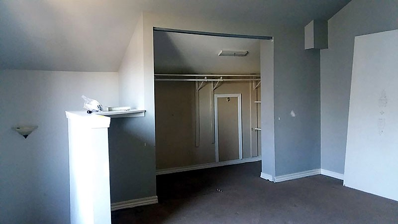 Master Bedroom Closet without doors