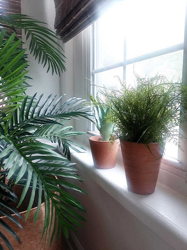 8 Styling Tips for Potted Artificial Plants
