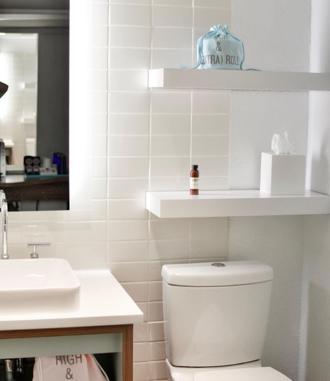 5 Bathroom Air Fresheners That Your Family Will Stinking Love