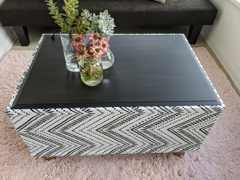 Black and White Wallpaper Coffee Table Bench