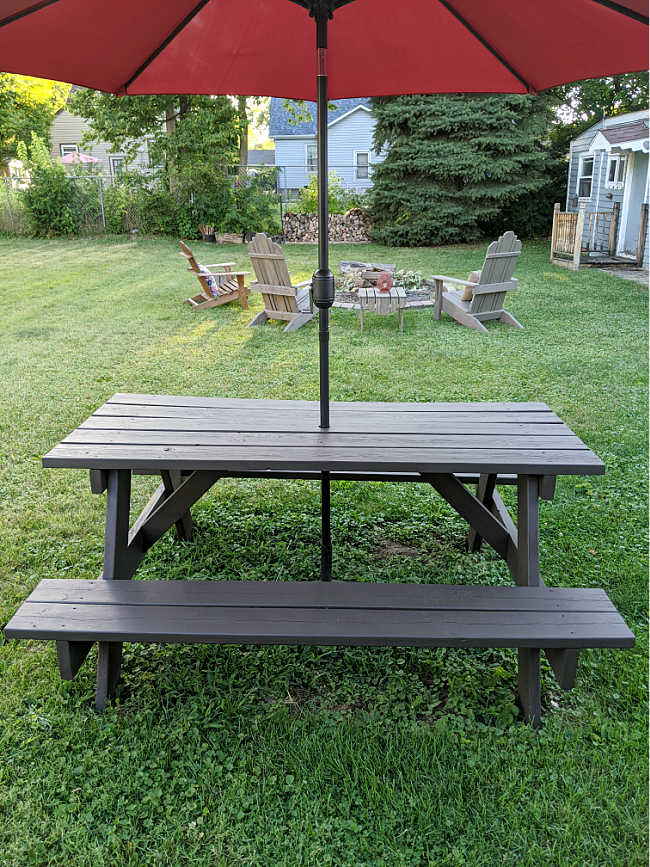 picnic table with oxford brown solid stain