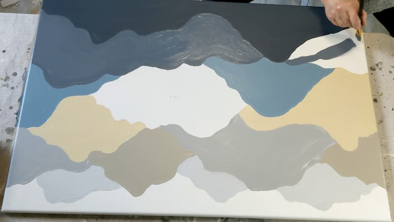 painting alternating sections mountain pattern