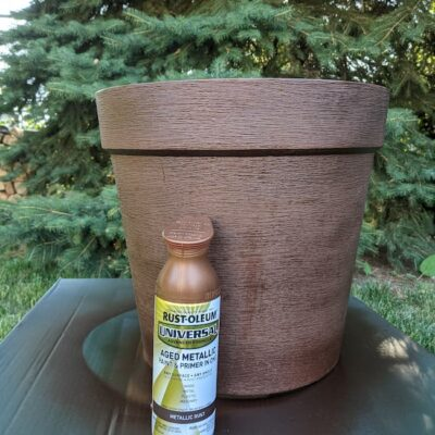 How to Spray Paint Plastic Planters in 7 Easy Steps